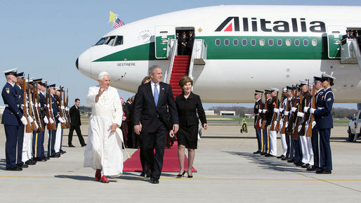 President Bush and First Lady Laura Bush greet Pope Benedict.